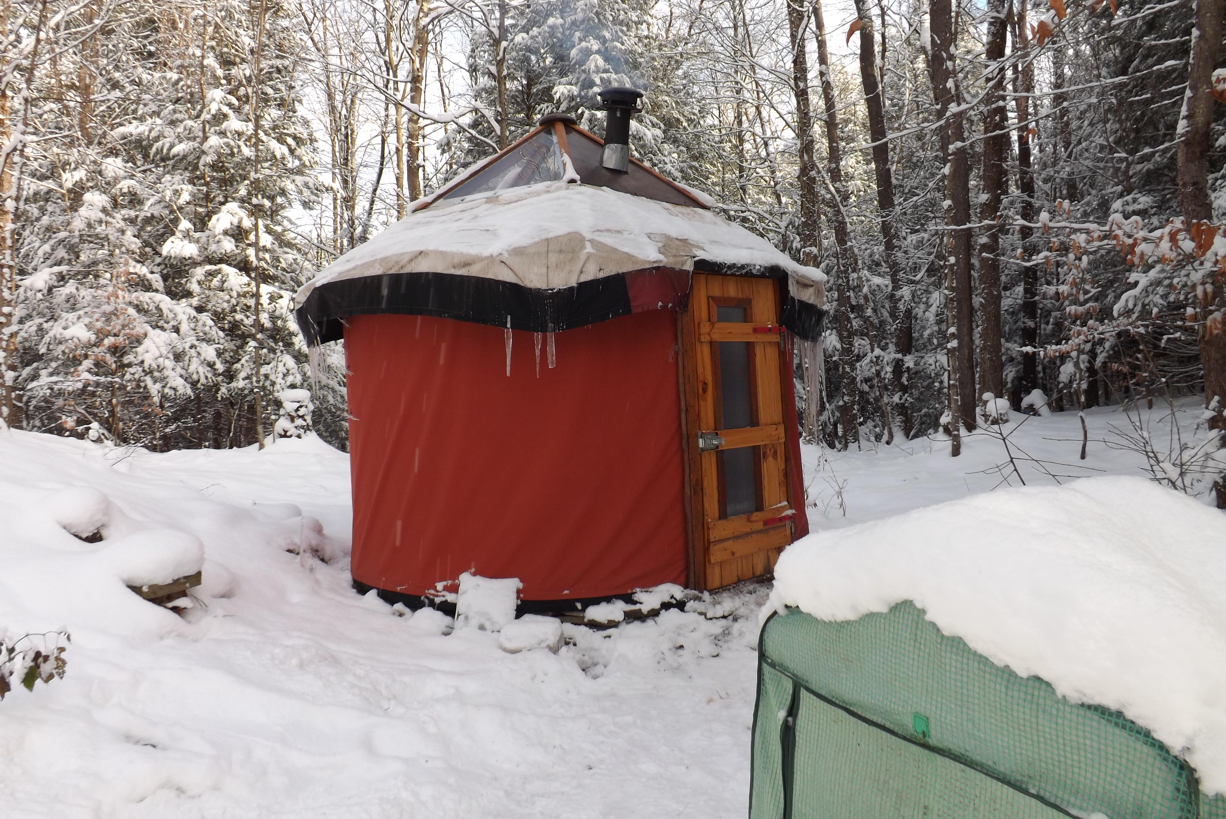 Yurt living living in the round steves yurt solutioingenieria Choice Image